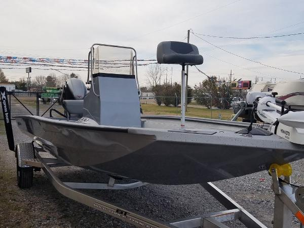 2021 Xpress boat for sale, model of the boat is H190B & Image # 9 of 13