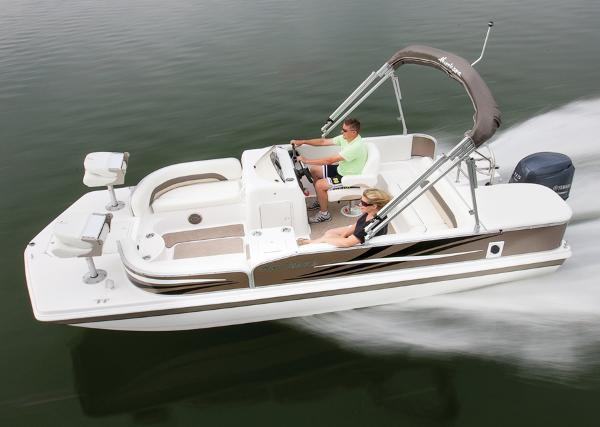 2014 Hurricane boat for sale, model of the boat is FunDeck 198 & Image # 2 of 6