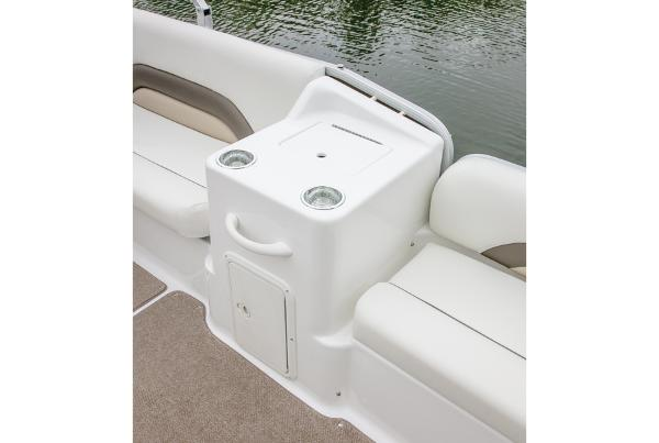 2014 Hurricane boat for sale, model of the boat is FunDeck 198 & Image # 4 of 6