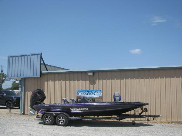 2021 Phoenix boat for sale, model of the boat is 721 Pro XP & Image # 2 of 24