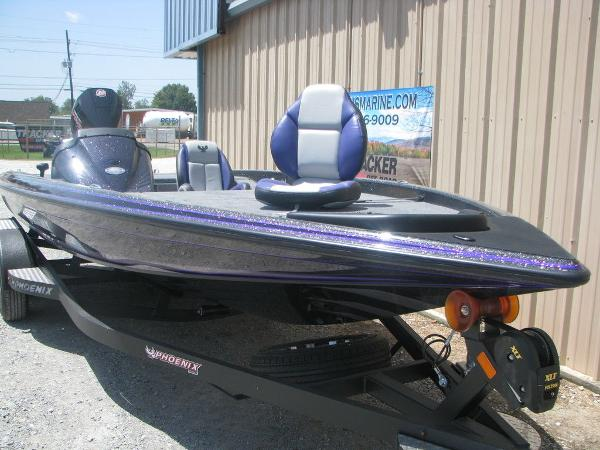 2021 Phoenix boat for sale, model of the boat is 721 Pro XP & Image # 7 of 24
