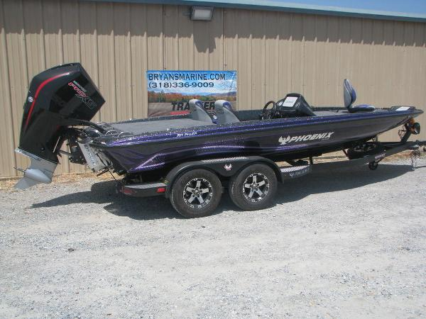 2021 Phoenix boat for sale, model of the boat is 721 Pro XP & Image # 17 of 24