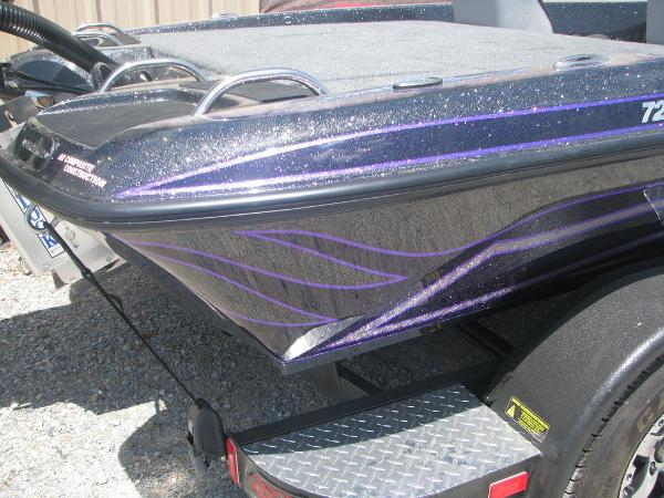 2021 Phoenix boat for sale, model of the boat is 721 Pro XP & Image # 23 of 24