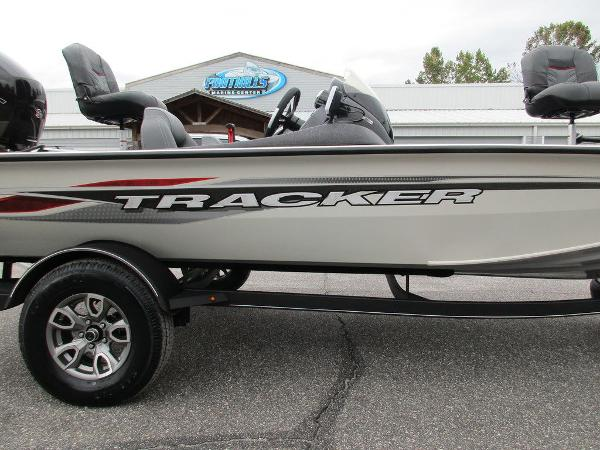 2021 Tracker Boats boat for sale, model of the boat is Pro Team™ 195 TXW Tournament Ed. & Image # 3 of 32