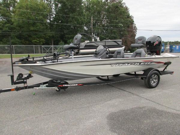2021 Tracker Boats boat for sale, model of the boat is Pro Team™ 195 TXW Tournament Ed. & Image # 5 of 32