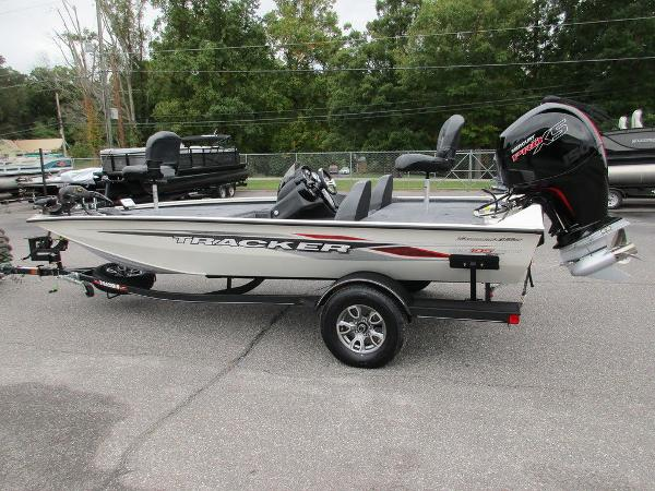2021 Tracker Boats boat for sale, model of the boat is Pro Team™ 195 TXW Tournament Ed. & Image # 27 of 32