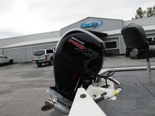 2021 Tracker Boats boat for sale, model of the boat is Pro Team™ 195 TXW Tournament Ed. & Image # 29 of 32