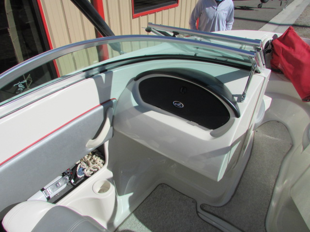 2008 Sea Ray boat for sale, model of the boat is 185 Sport & Image # 15 of 22