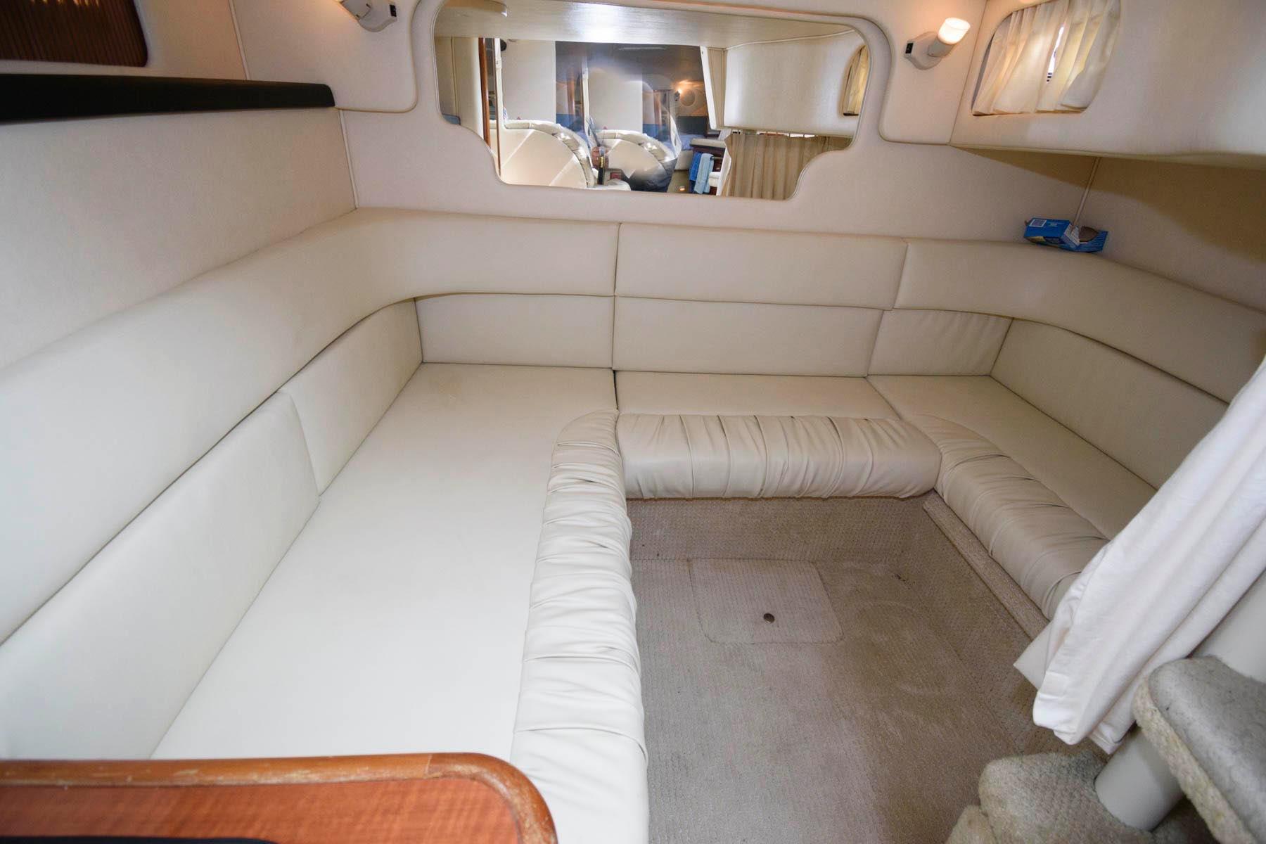 M 6523 EF Knot 10 Yacht Sales