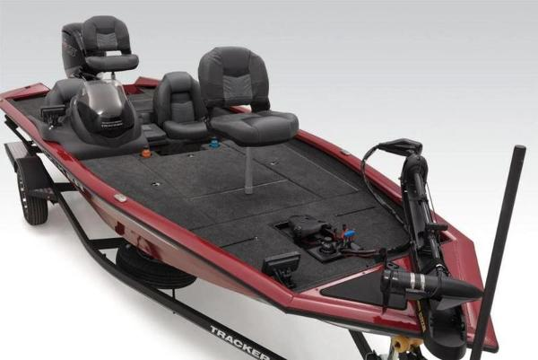 2021 Tracker Boats boat for sale, model of the boat is Pro Team™ 190 TX Tournament Ed. & Image # 2 of 3