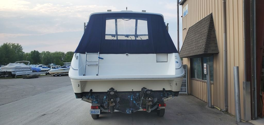 1989 Sea Ray boat for sale, model of the boat is 280 WITH TRI-AXLE ALUMINUM TRAILER & Image # 2 of 15