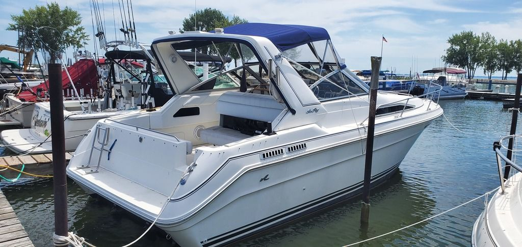 1989 Sea Ray boat for sale, model of the boat is 280 WITH TRI-AXLE ALUMINUM TRAILER & Image # 7 of 15
