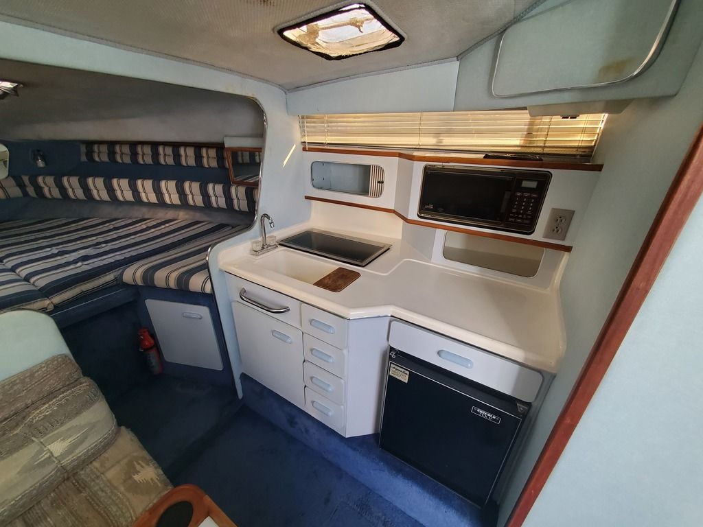 1989 Sea Ray boat for sale, model of the boat is 280 WITH TRI-AXLE ALUMINUM TRAILER & Image # 10 of 15