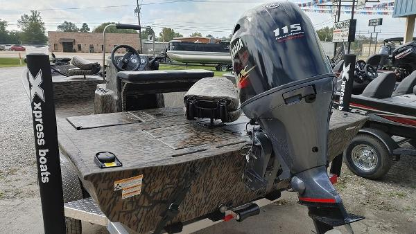 2021 Xpress boat for sale, model of the boat is XP20CC & Image # 7 of 25