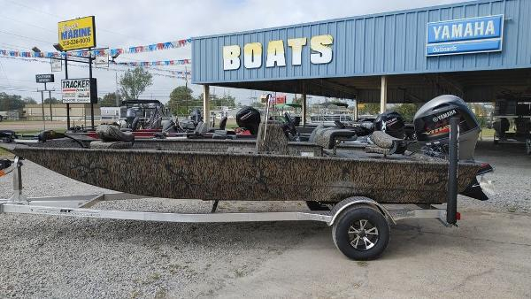 2021 Xpress boat for sale, model of the boat is XP20CC & Image # 18 of 25
