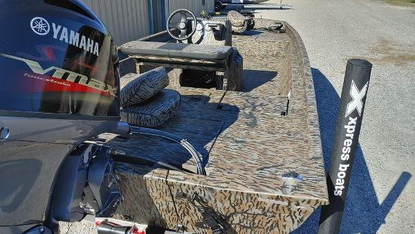 2021 Xpress boat for sale, model of the boat is XP20CC & Image # 20 of 25