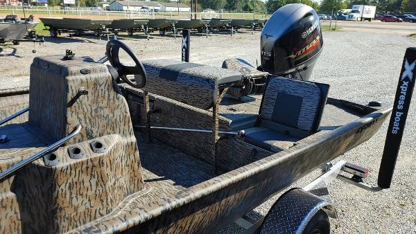 2021 Xpress boat for sale, model of the boat is XP20CC & Image # 24 of 25