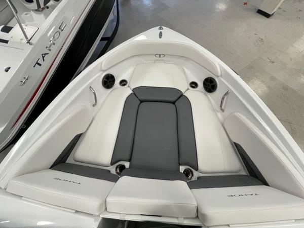 2021 Tahoe boat for sale, model of the boat is 210 S & Image # 3 of 8