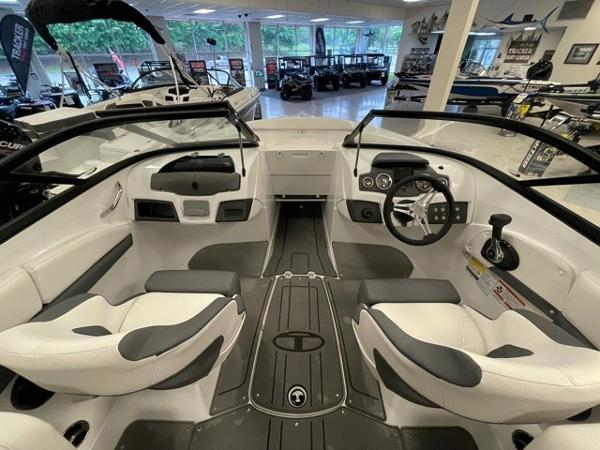2021 Tahoe boat for sale, model of the boat is 210 S & Image # 4 of 8