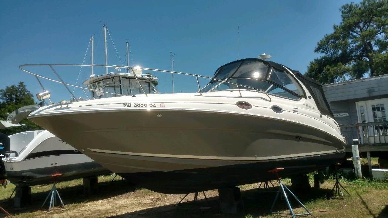 M 6024 BW Knot 10 Yacht Sales