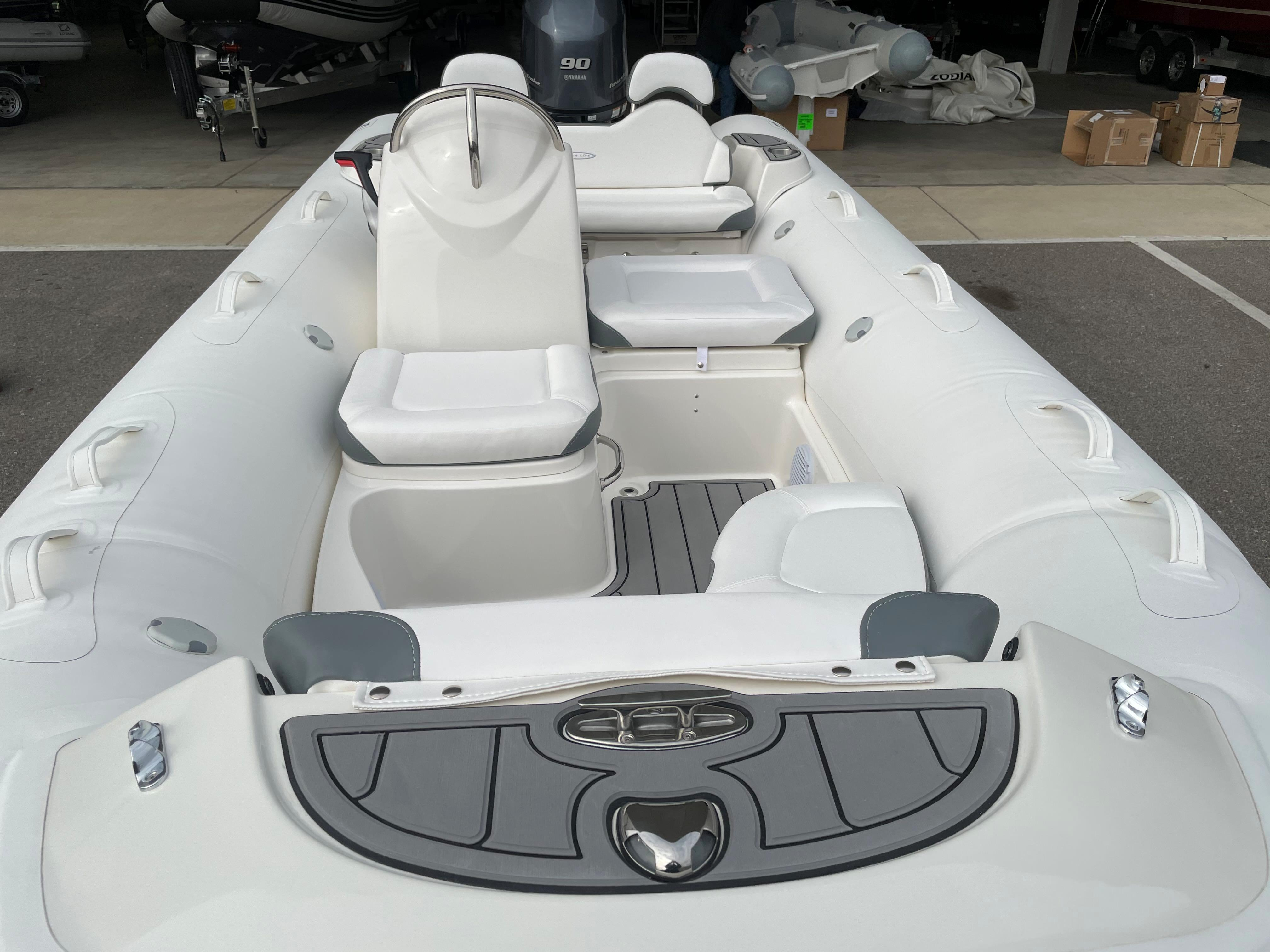 2022 Zodiac Yachtline 490 Deluxe NEO GL Edition 90hp On Order, Image 12