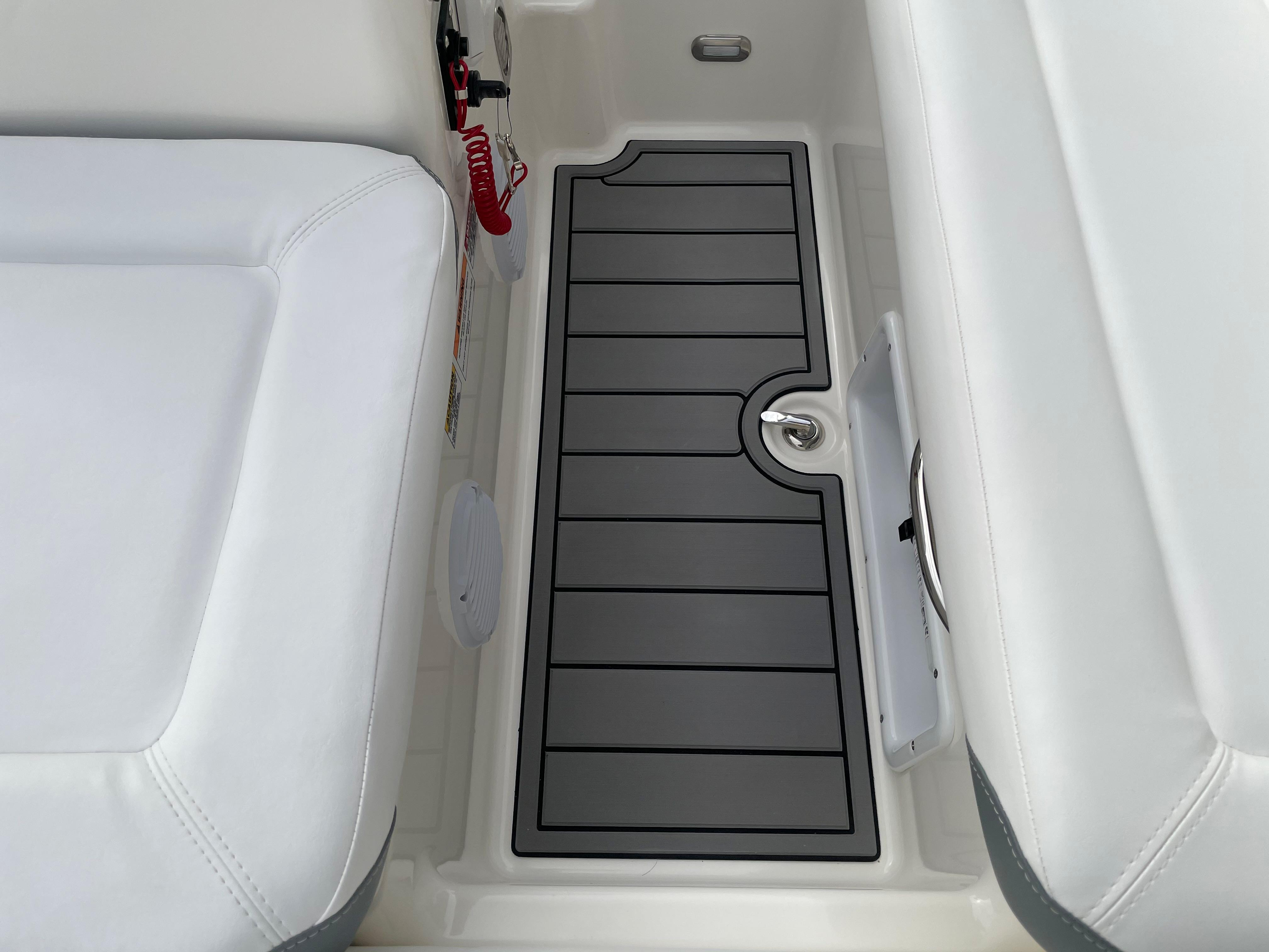 2022 Zodiac Yachtline 490 Deluxe NEO GL Edition 90hp On Order, Image 19