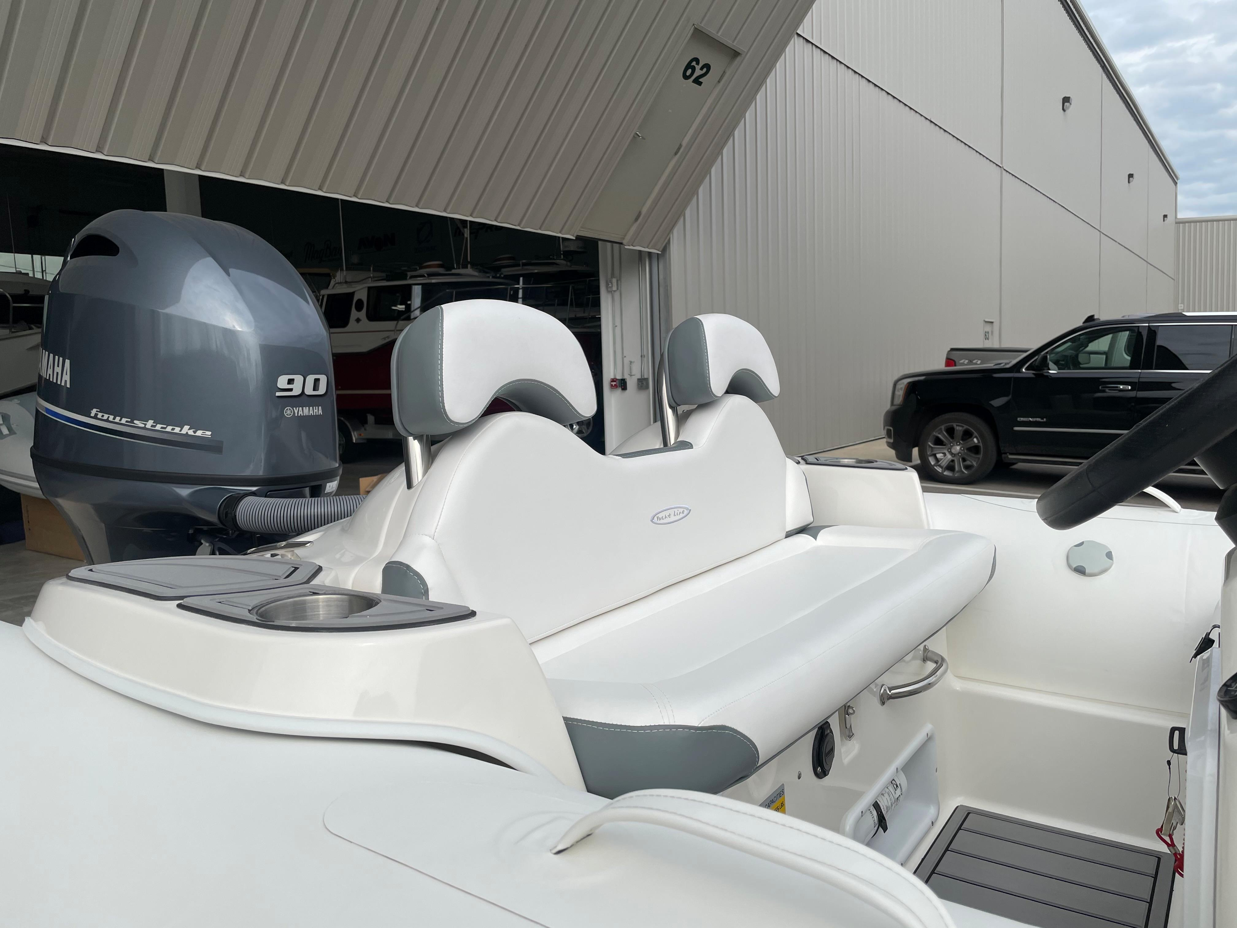 2022 Zodiac Yachtline 490 Deluxe NEO GL Edition 90hp On Order, Image 17