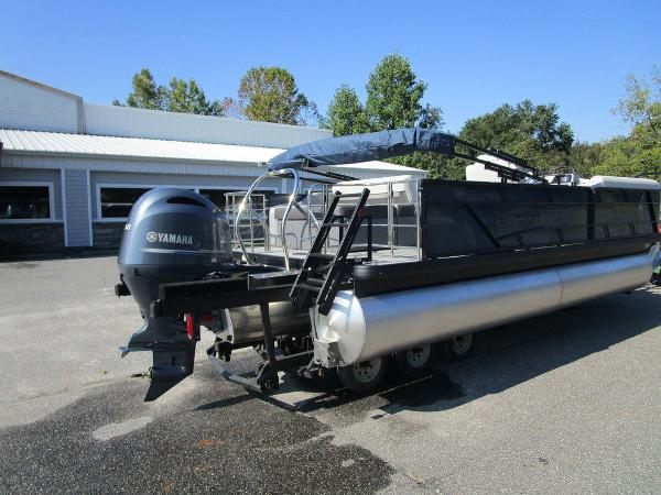 2021 Godfrey Pontoon boat for sale, model of the boat is SW 2286 SFL GTP 27 in. & Image # 3 of 35