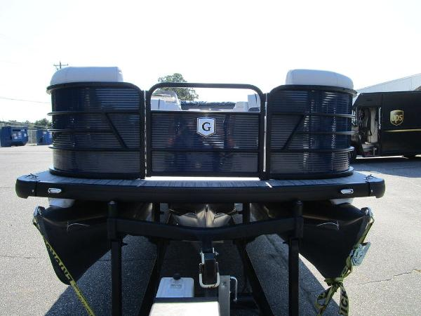 2021 Godfrey Pontoon boat for sale, model of the boat is SW 2286 SFL GTP 27 in. & Image # 11 of 35