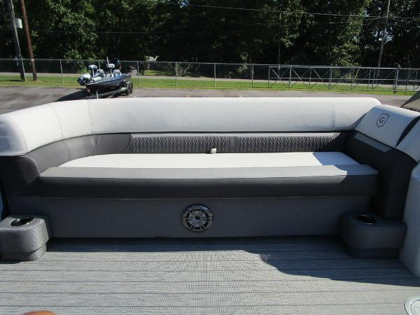 2021 Godfrey Pontoon boat for sale, model of the boat is SW 2286 SFL GTP 27 in. & Image # 15 of 35