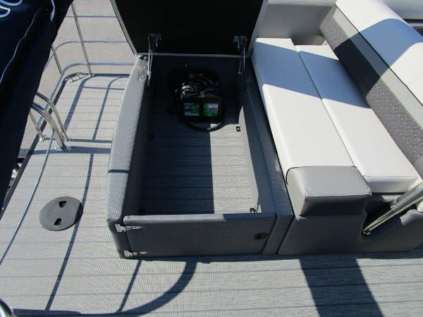 2021 Godfrey Pontoon boat for sale, model of the boat is SW 2286 SFL GTP 27 in. & Image # 22 of 35