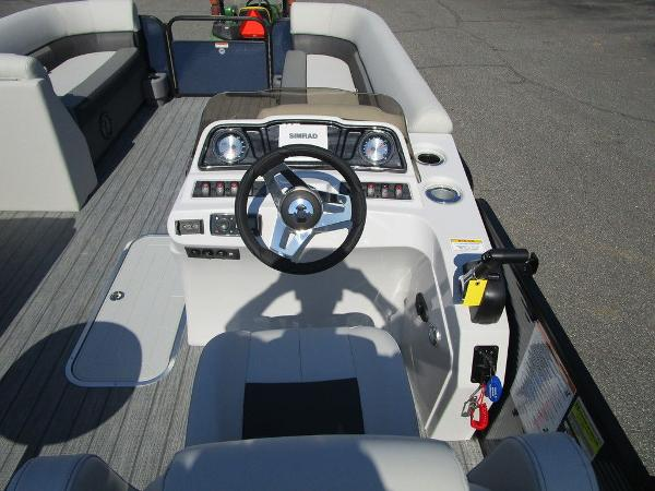 2021 Godfrey Pontoon boat for sale, model of the boat is SW 2286 SFL GTP 27 in. & Image # 23 of 35