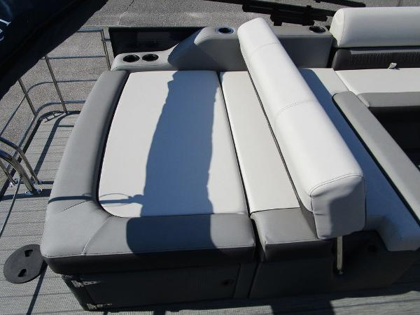 2021 Godfrey Pontoon boat for sale, model of the boat is SW 2286 SFL GTP 27 in. & Image # 24 of 35