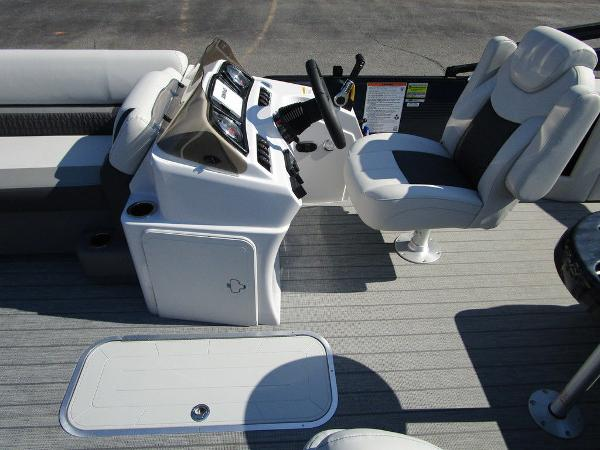 2021 Godfrey Pontoon boat for sale, model of the boat is SW 2286 SFL GTP 27 in. & Image # 26 of 35