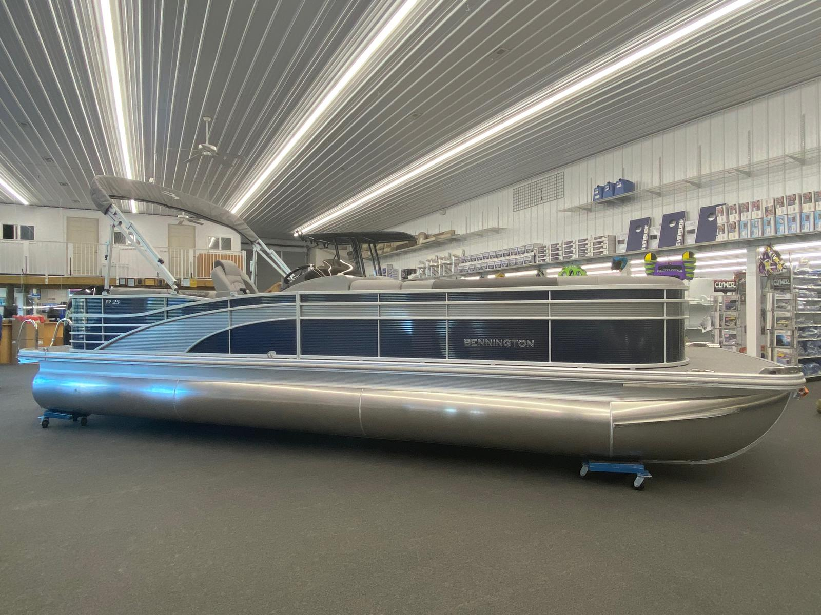 2021 Bennington boat for sale, model of the boat is 25 RL Tri-Toon ESP Performance Package & Image # 1 of 16