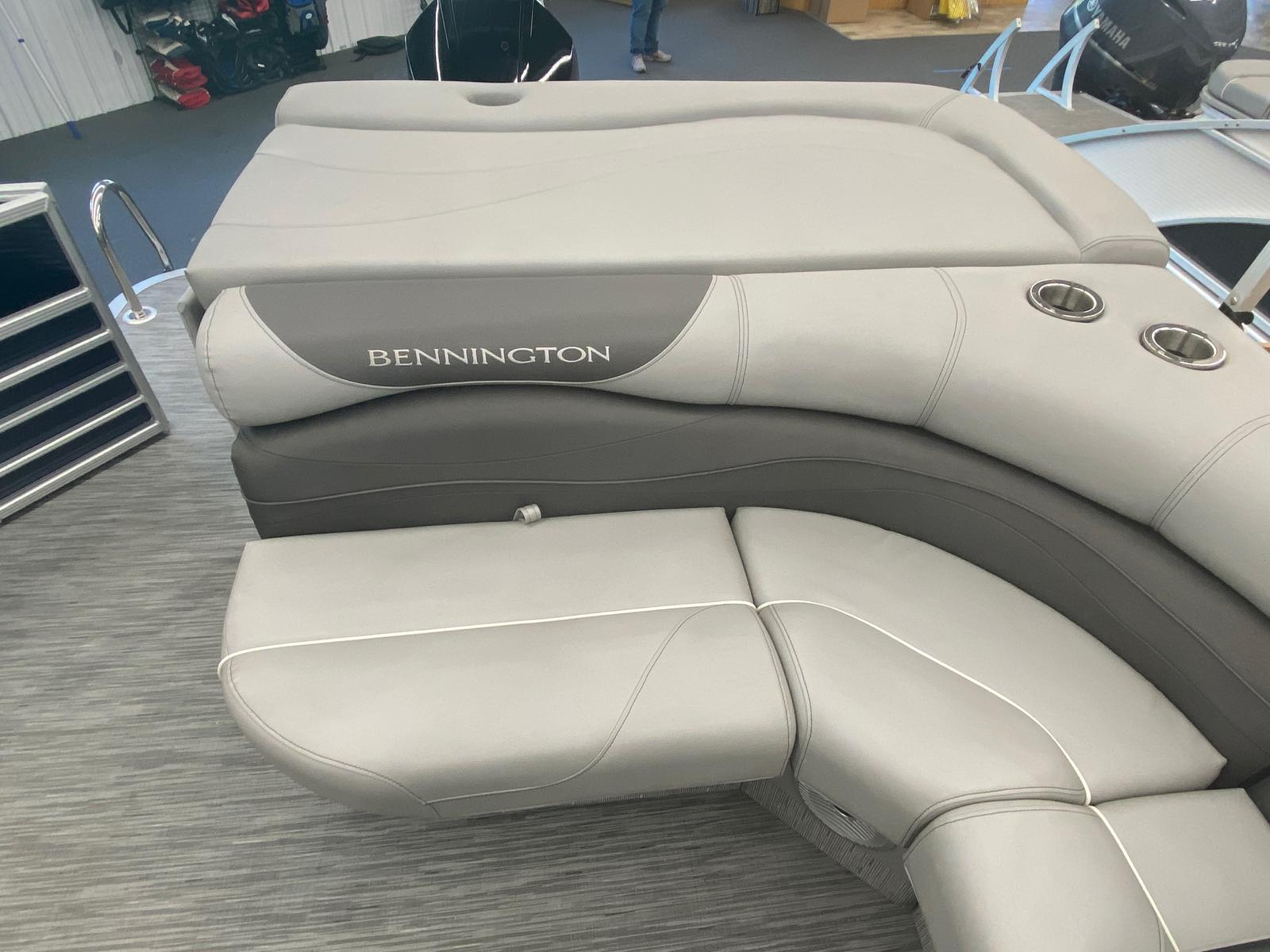 2021 Bennington boat for sale, model of the boat is 25 RL Tri-Toon ESP Performance Package & Image # 11 of 16