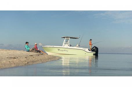 2021 Bayliner boat for sale, model of the boat is T22CC & Image # 2 of 9