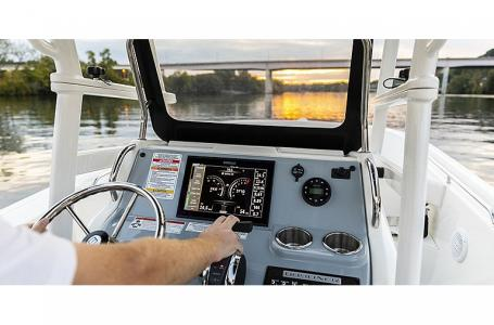 2021 Bayliner boat for sale, model of the boat is T22CC & Image # 4 of 9