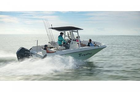 2021 Bayliner boat for sale, model of the boat is T22CC & Image # 8 of 9