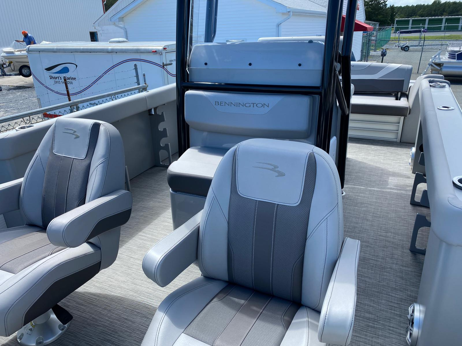 2020 Bennington boat for sale, model of the boat is 23 SCCTTX Center Console Tri-Toon ESP Performance Package & Image # 10 of 12