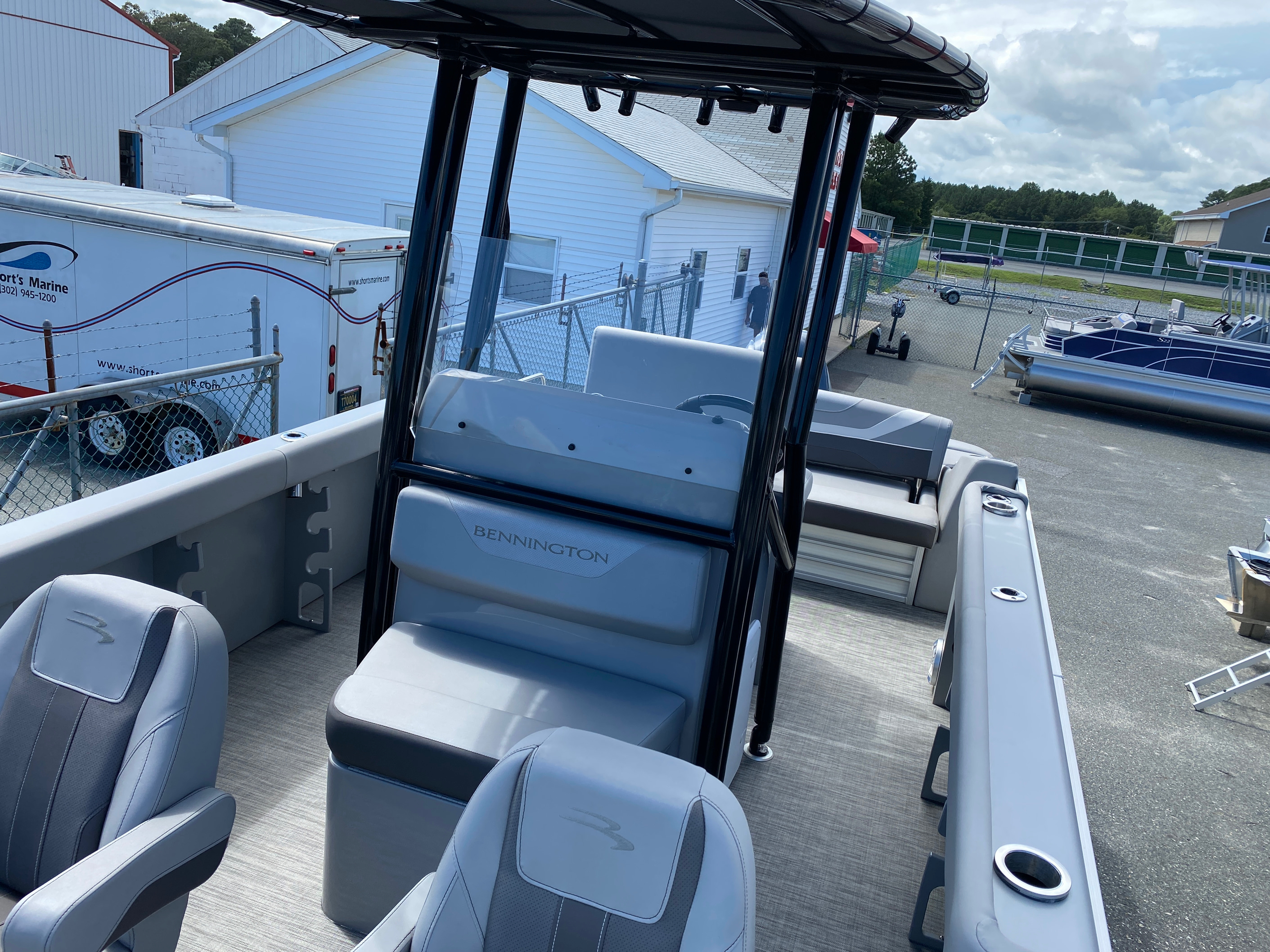 2020 Bennington boat for sale, model of the boat is 23 SCCTTX Center Console Tri-Toon ESP Performance Package & Image # 7 of 12
