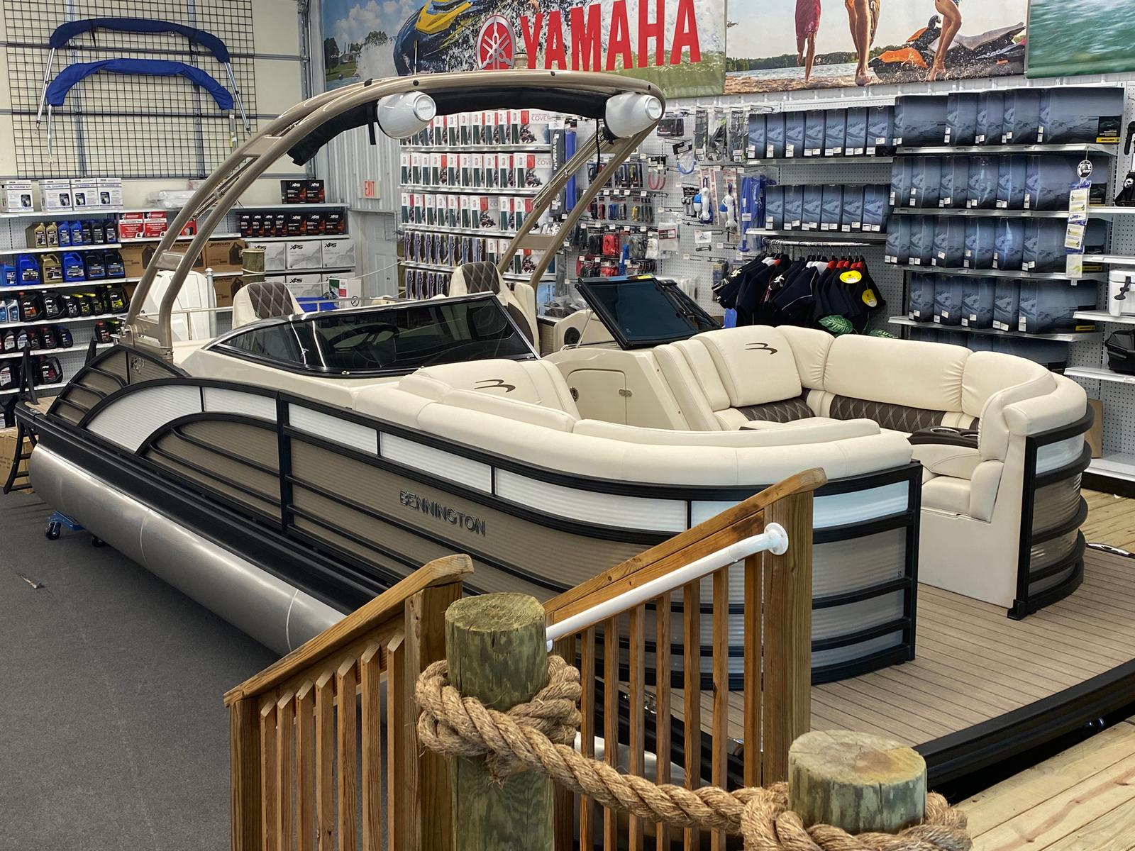 2021 Bennington boat for sale, model of the boat is 23 RSBWA WSHLD DLX Fold Open SP Arch Tri-Toon ESP Package & Image # 1 of 25