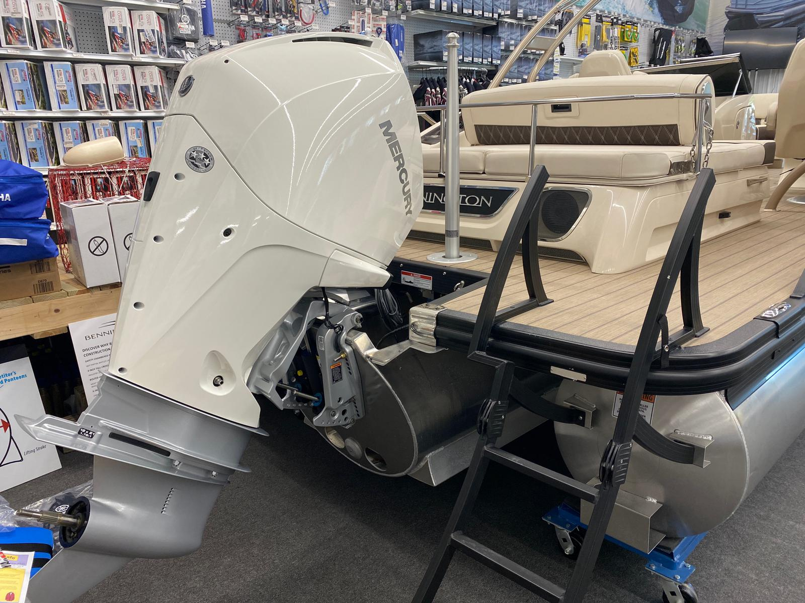2021 Bennington boat for sale, model of the boat is 23 RSBWA WSHLD DLX Fold Open SP Arch Tri-Toon ESP Package & Image # 14 of 25