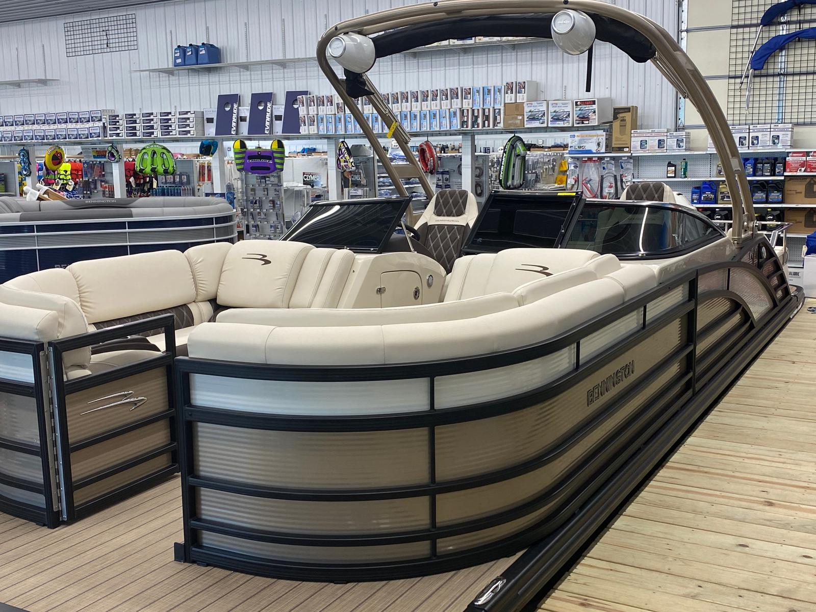 2021 Bennington boat for sale, model of the boat is 23 RSBWA WSHLD DLX Fold Open SP Arch Tri-Toon ESP Package & Image # 21 of 25