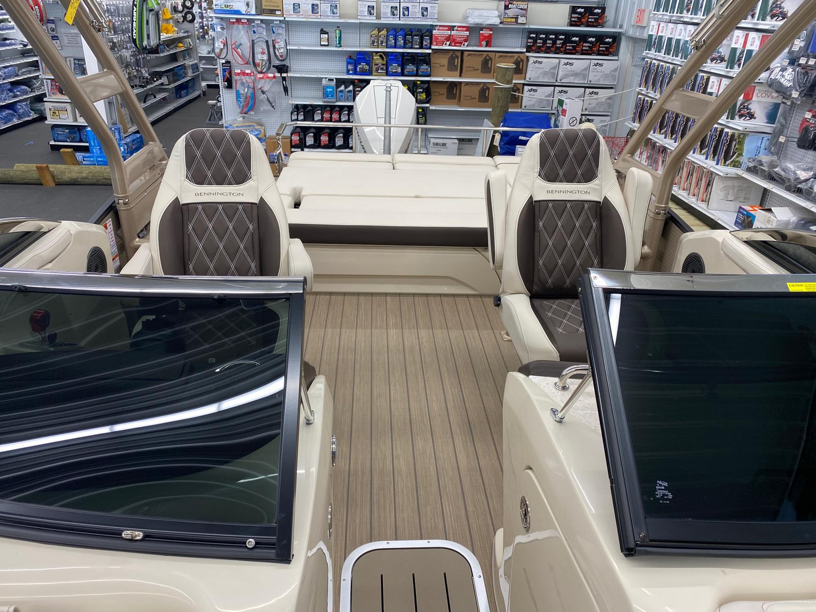 2021 Bennington boat for sale, model of the boat is 23 RSBWA WSHLD DLX Fold Open SP Arch Tri-Toon ESP Package & Image # 5 of 25