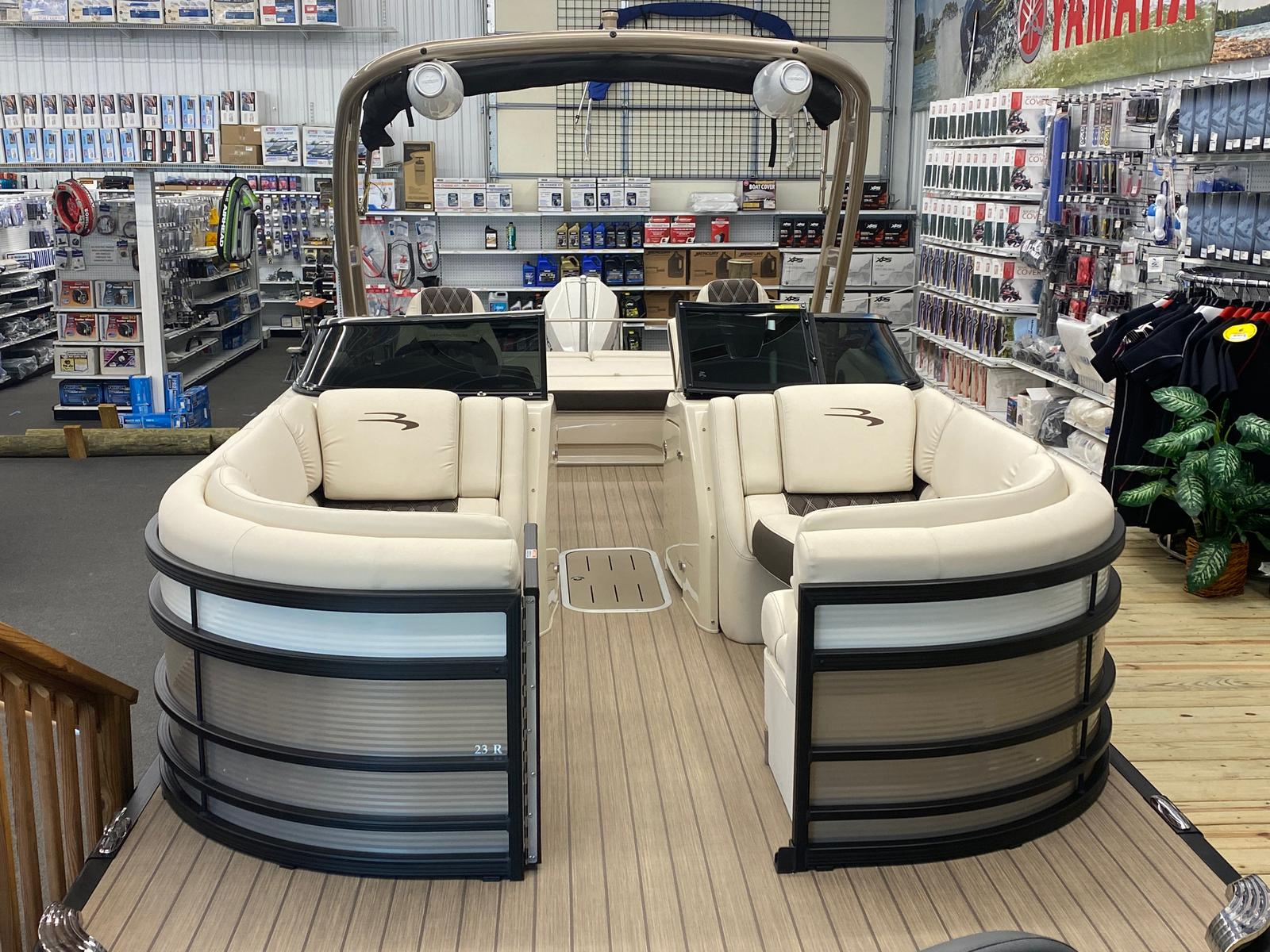 2021 Bennington boat for sale, model of the boat is 23 RSBWA WSHLD DLX Fold Open SP Arch Tri-Toon ESP Package & Image # 6 of 25