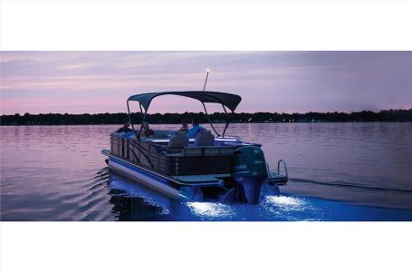 2021 Bennington boat for sale, model of the boat is 23 RSBWA WSHLD DLX Fold Open SP Arch Tri-Toon ESP Package & Image # 23 of 25