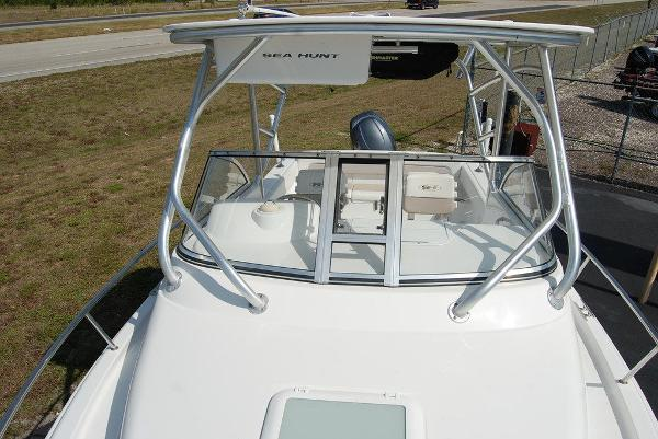 2013 Sea Hunt boat for sale, model of the boat is Victory 225 & Image # 3 of 16