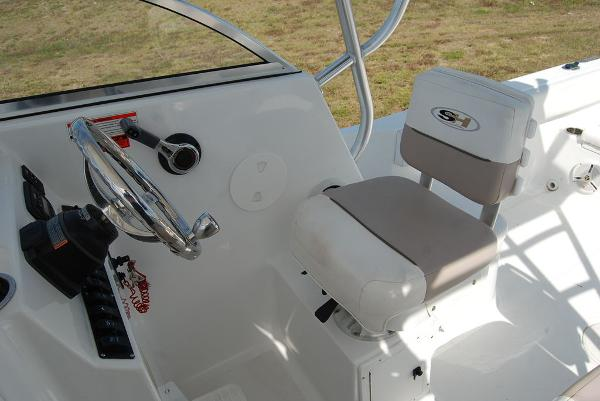 2013 Sea Hunt boat for sale, model of the boat is Victory 225 & Image # 7 of 16