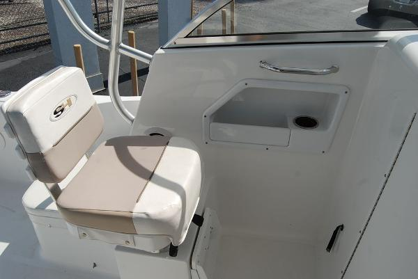 2013 Sea Hunt boat for sale, model of the boat is Victory 225 & Image # 8 of 16